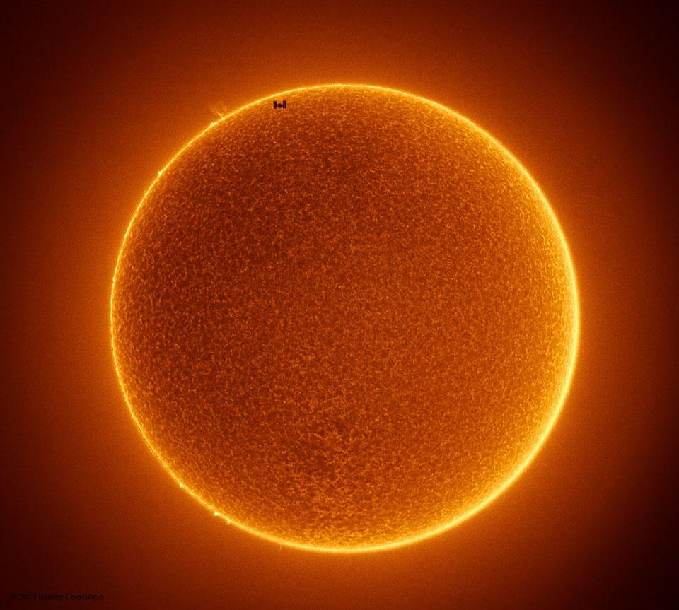 L\'ISS traverse un Soleil sans taches