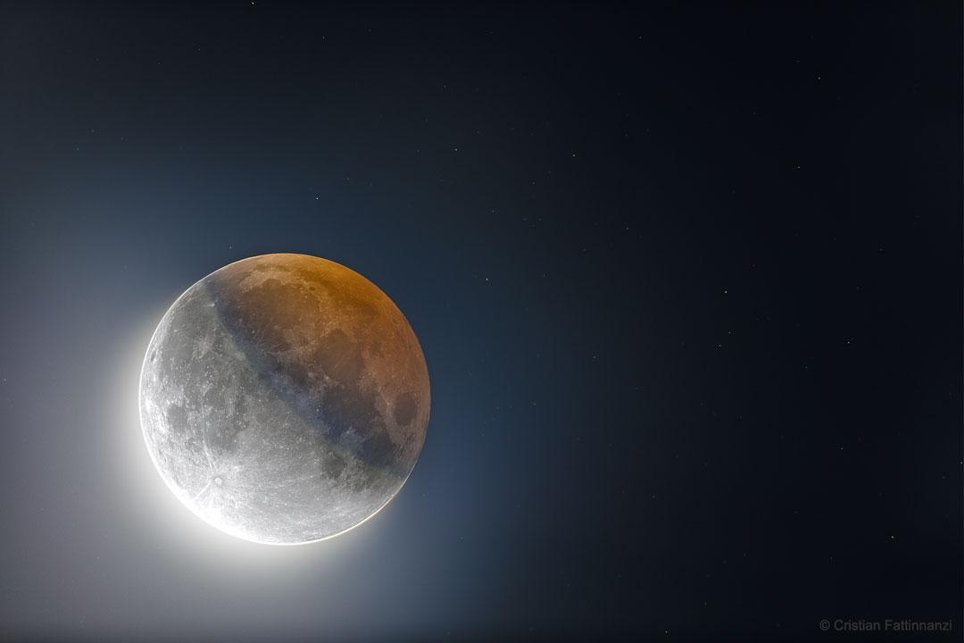 L\'ombre circulaire de la Lune vue en HDR