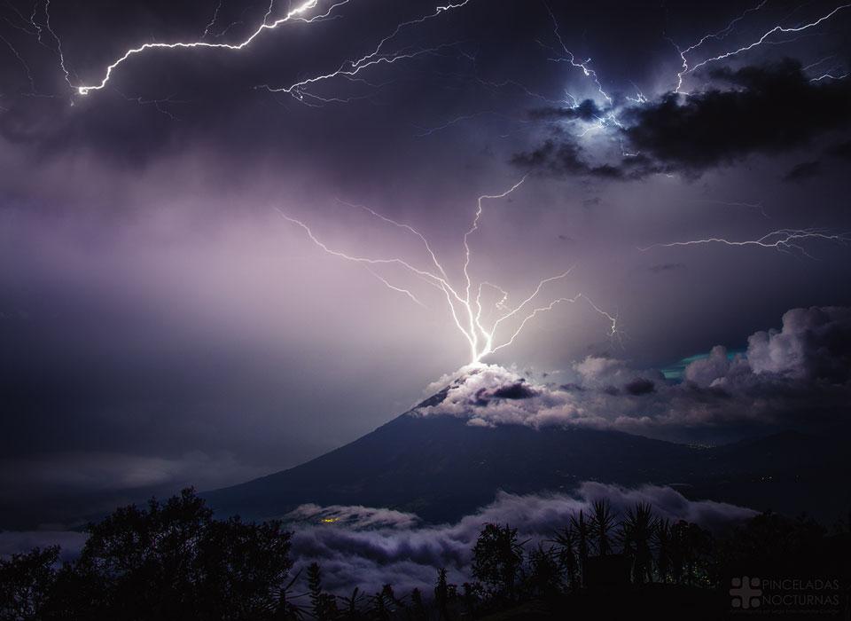La foudre sur le Volcan de Agua