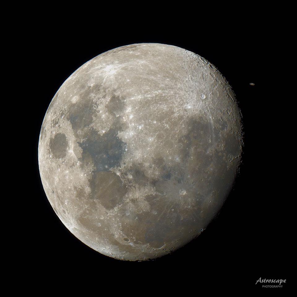 Saturne derrière la Lune