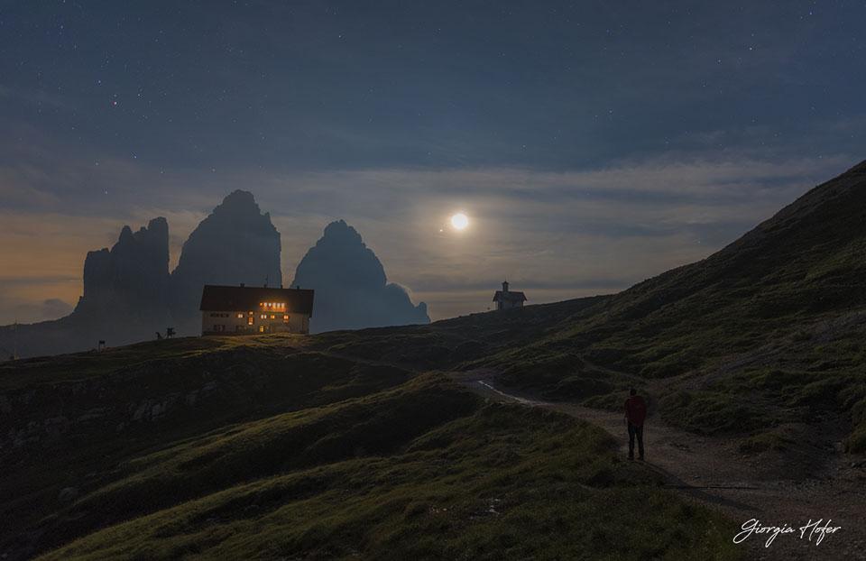 La Lune et Jupiter au-dessus des Alpes