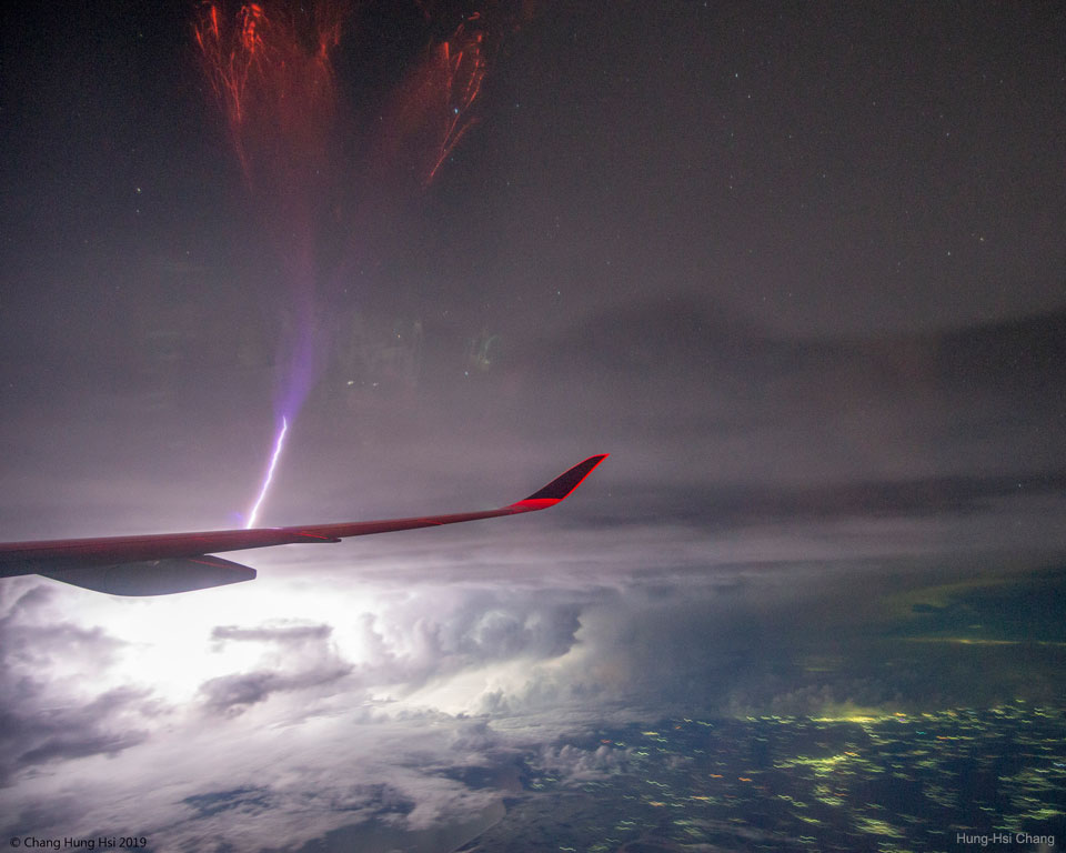 Eclair en jet géant sur l\'Inde