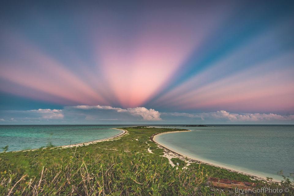 Rayons anticrépusculaires sur la Floride