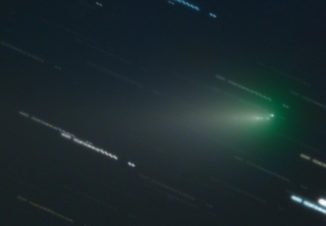 La comète ATLAS se désintègre