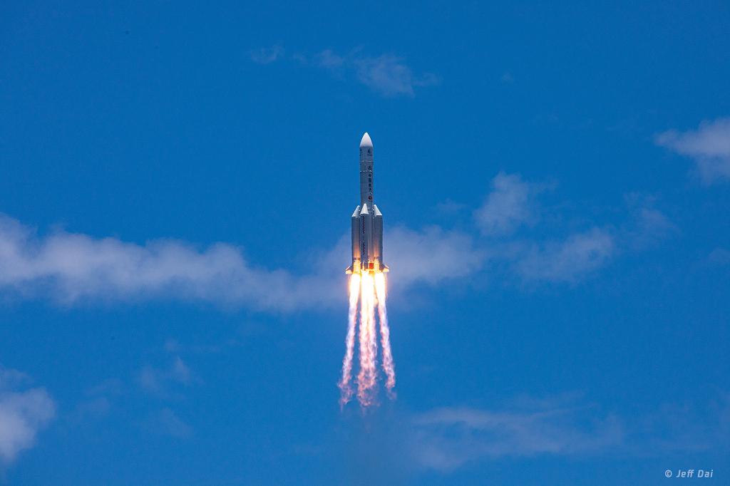La mission Tianwen-1 s\'envole pour Mars