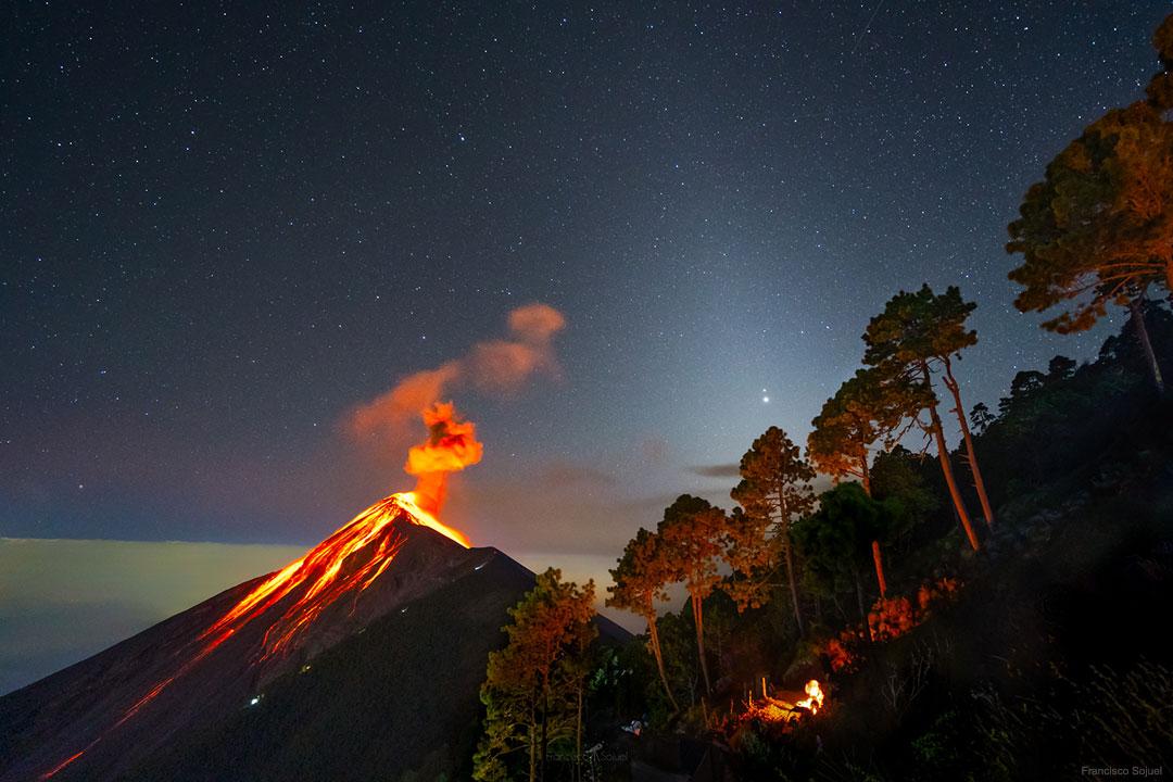 Volcanique Grande Conjonction