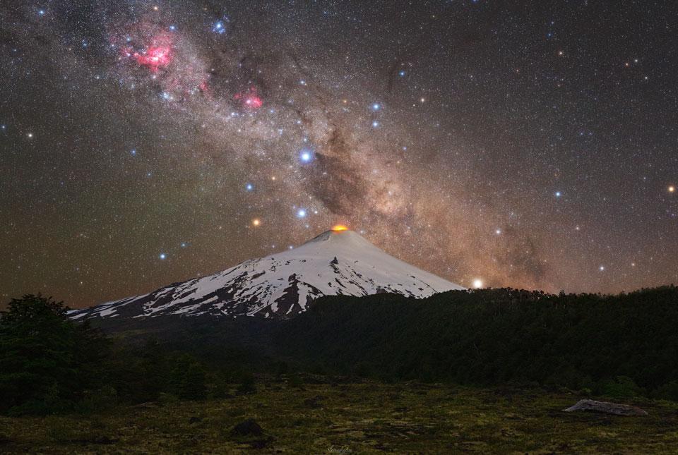 La Croix du Sud sur un volcan Chilien