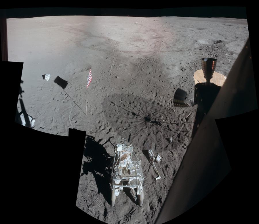 Le site d\'Apollo 14 vu depuis le module lunaire Antares