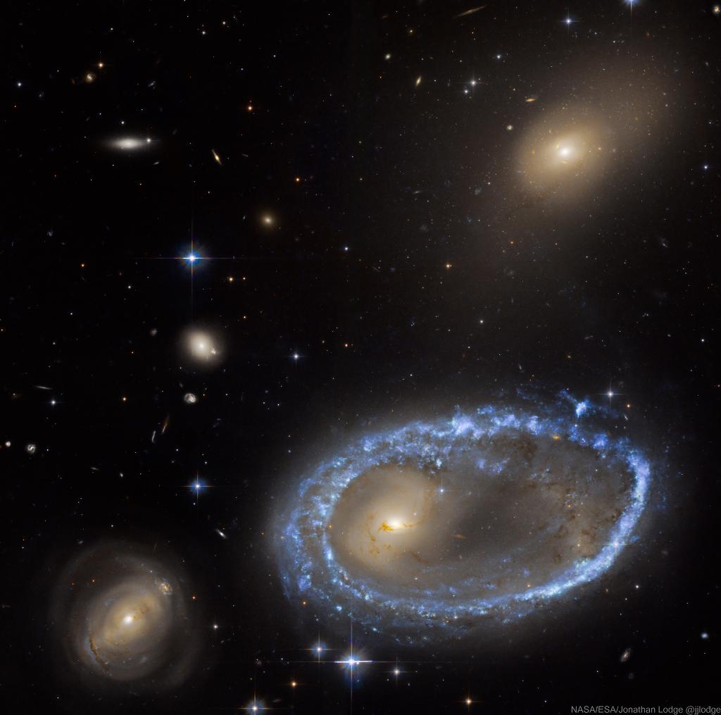 La galaxie annulaire AM 0644-741 par Hubble