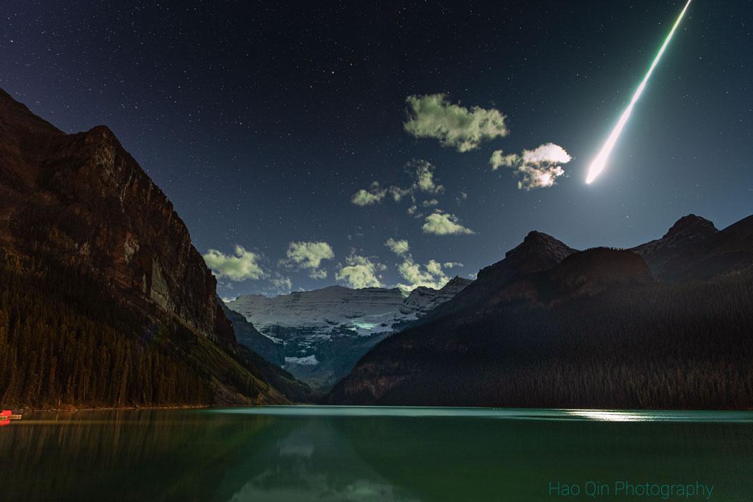 Boule de feu sur le lac Louise